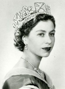 Queen_Elizabeth_II_Photographic_Portrait_by_Dorothy_Wilding.jpg